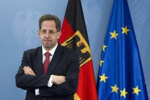 The-new-president-of-Germany-s-intelligence-agency-the-Verfassungsschutz-Maassen-poses-for-pictures-before-being-handed-the-letter-of-appointment-in-Berlin
